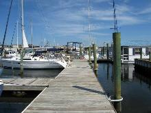 Beaufort Marina Village Yacht Club Beaufort North Carolina   www.carolinawaterfrontonline.com